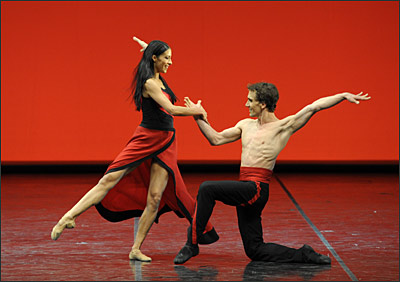Elisa Carrilo Cabrera und Mikhail Kaniskin in Showtime